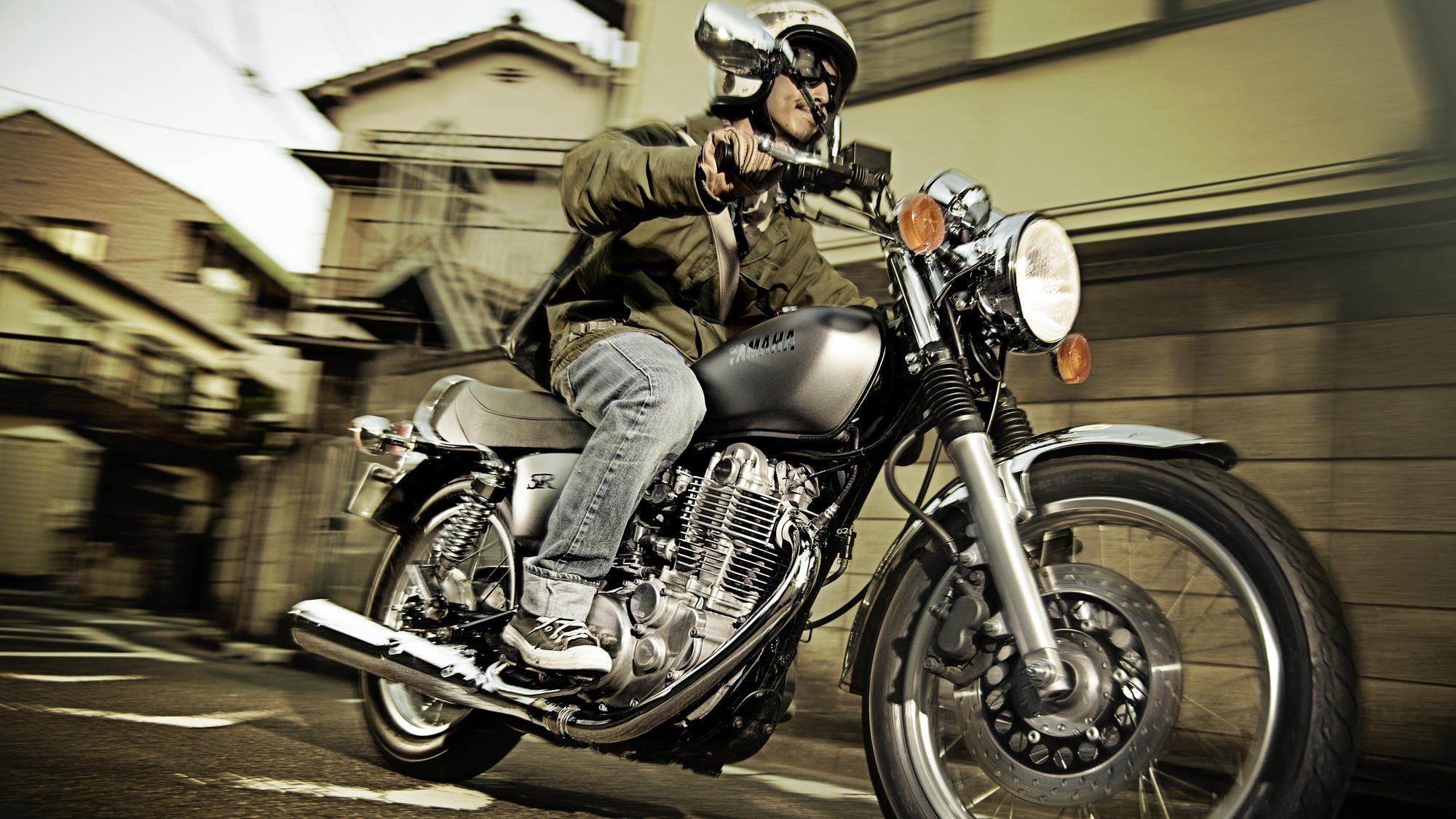 Bietet die SR 400 von Yamaha jeder Menge Möglichkeiten für grenzenlosen Fahrspaß