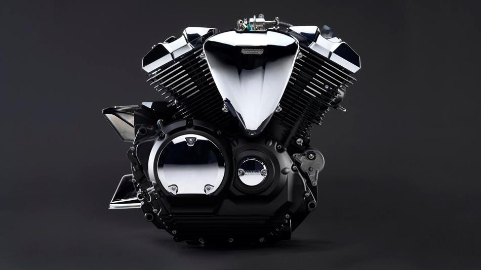Der V4 Motor mit 942 ccm und 54 PS treibt die Schönheit an.