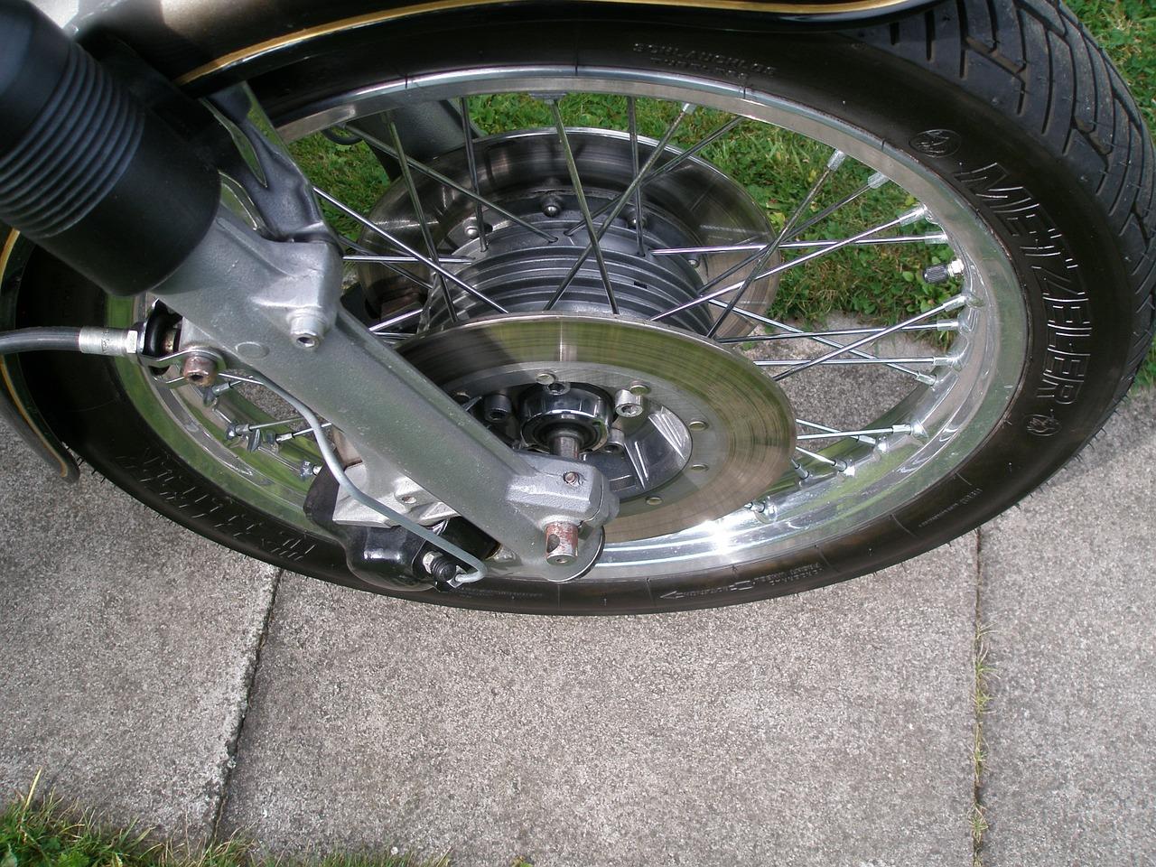 Welche Funktion hat die Reifenflanke?