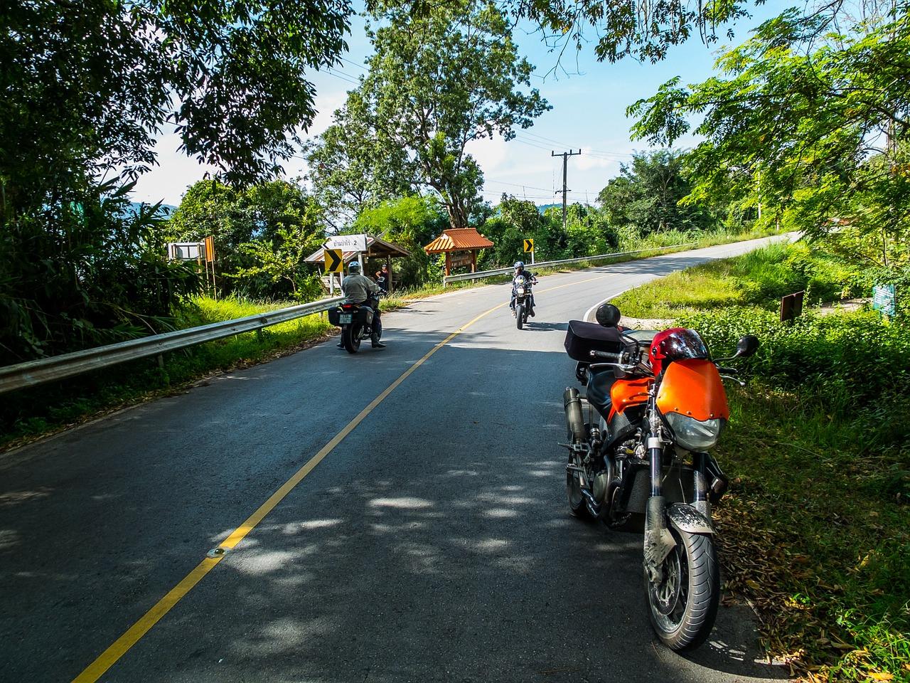 Mit dem Bike unterwegs: Tankrucksack oder Satteltasche?