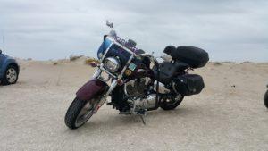 Motorradunternehmungen im Sommer mit Partnerin